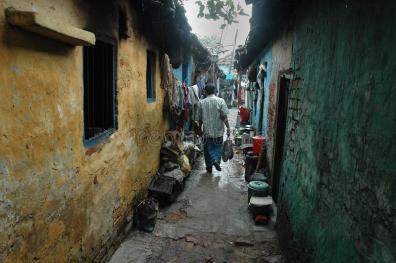slum-dwellers-kolkata